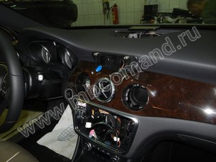 demontag-audio20-mercedes-gla-x156