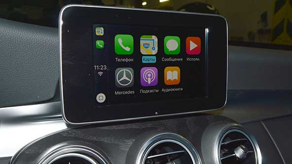 Apple CarPlay на Мерседес W205